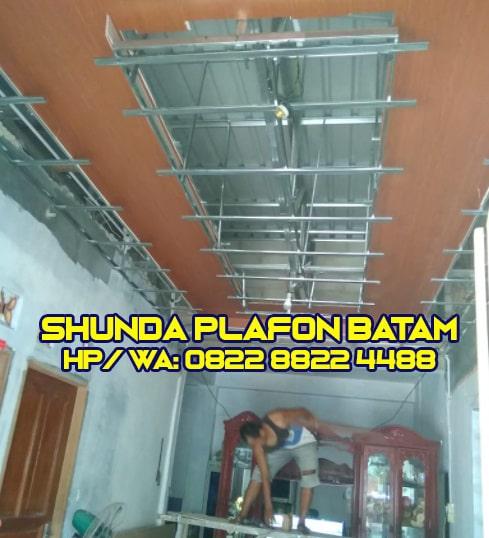 Proses pemasangan shunda plafon Batam